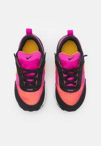 Nike Sportswear - WAFFLE ONE UNISEX - Baskets basses - active fuchsia/university gold/black/coconut milk - 3