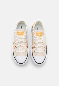 Converse - CHUCK TAYLOR ALL STAR EVA LIFT - Sneakers laag - natural ivory/white/black - 3