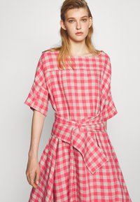 Henrik Vibskov - PIPETTE DRESS - Maxi dress - berry - 3