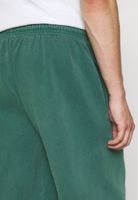 BDG Urban Outfitters - JOGGER PANT - Tracksuit bottoms - deep grass green - 5