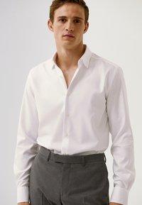 Massimo Dutti - SLIM-FIT - Formal shirt - white - 0
