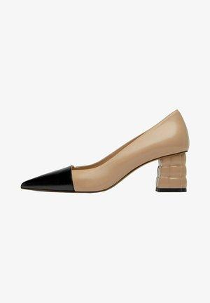 MIT ABSATZ  - Classic heels - beige