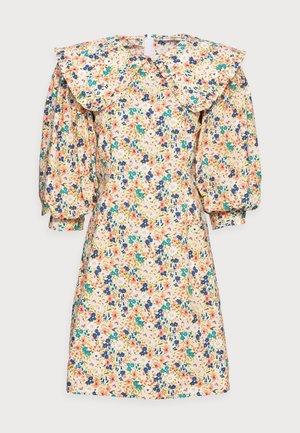 ELLIE DRESS - Day dress - coral