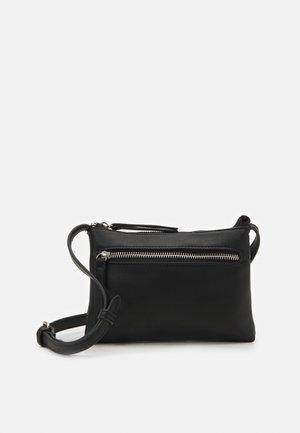 PCFINNA SMALL CROSS BODY - Across body bag - black