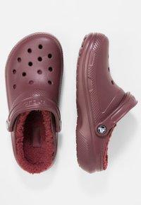 Crocs - Chanclas de baño - burgundy - 1