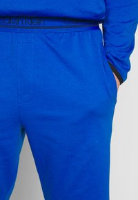 Calvin Klein Underwear - SLEEP SHORT - Pantalón de pijama - blue - 4