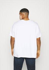 Levi's® Plus - 2 PACK - Print T-shirt - caviar/white - 2