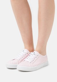 Calvin Klein Jeans - LACEUP  - Tenisky - pearly pink - 0
