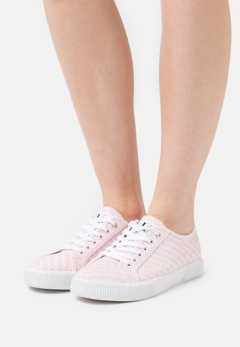 Calvin Klein Jeans - LACEUP  - Tenisky - pearly pink