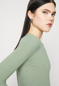 New Look - SOFT CREW NECK BODY - Long sleeved top - light green - 3