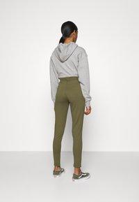 Even&Odd - ZIP PUNTO LEGGINGS - Leggings - Trousers - dark green - 2