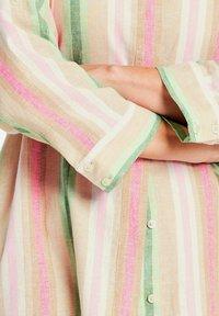 Gerry Weber - Button-down blouse - sahara/botanical/rasberry - 1
