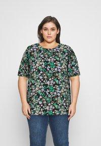 ONLY Carmakoma - CARANEMONY TOP - T-shirts med print - black - 0