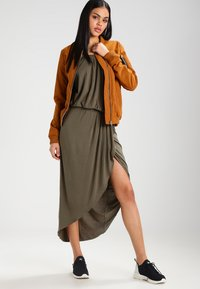 Urban Classics - Maxi dress - olive - 2