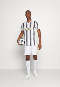 adidas Performance - JUVENTUS AEROREADY SPORTS FOOTBALL  - Squadra - white/black - 1