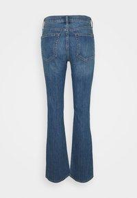 GAP - BOOT DUERO - Bootcut jeans - medium wash - 1