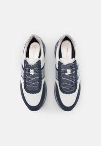 Tamaris - Trainers - white/jeans - 5