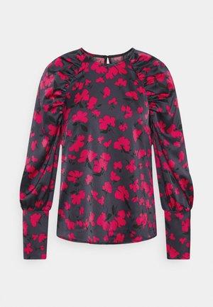 GATHERED RAGLAN - Long sleeved top - black/pink