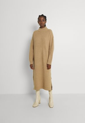 PIPPALIKA  - Pletené šaty - nude
