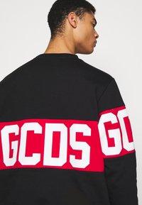 GCDS - BAND LOGO CREWNECK - Sweatshirt - black - 5