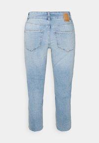 Pieces Petite - PCLUNA STRAIGHT - Straight leg jeans - medium blue denim - 1