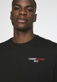 Tommy Jeans - LONGSLEEVE CORP - Long sleeved top - black - 4