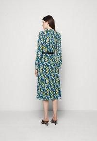 MICHAEL Michael Kors - FLORAL KATE  - Shirt dress - limeade - 2