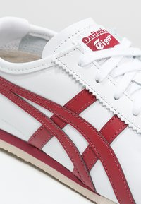 Onitsuka Tiger - MEXICO 66 - Sneakersy niskie - white/burgundy - 5