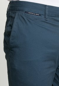 Scotch & Soda - MOTT - Chino - steel - 3