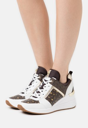 GEORGIE TRAINER - Baskets basses - brown/multicolor