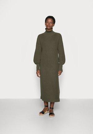 SCARLETT  DRESS - Jumper dress - grape leaf