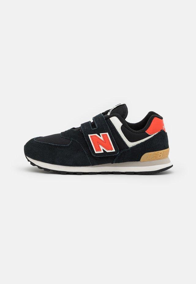 PV574ML2 UNISEX - Sneakers - black