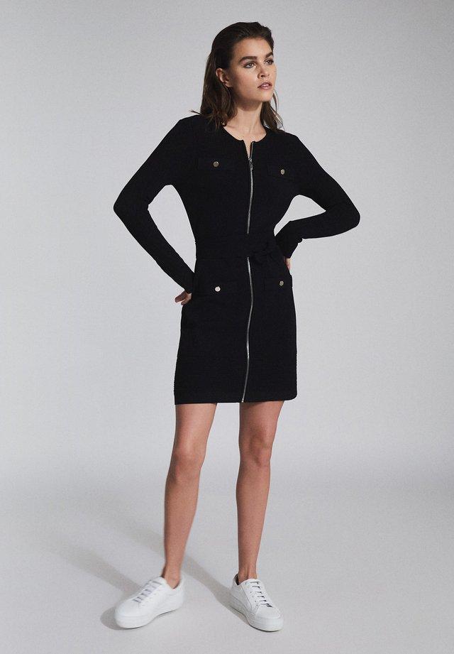 EMILY - Gebreide jurk - black
