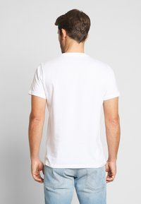 Pepe Jeans - MILES - T-Shirt print - optic white - 2