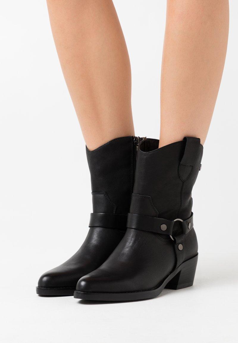 Carmela - LADIES BOOTS  - Cowboy/biker ankle boot - black