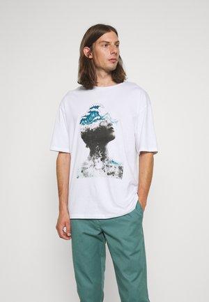 JPRBLACALLIE TEE CREW NECK - T-shirt z nadrukiem - white