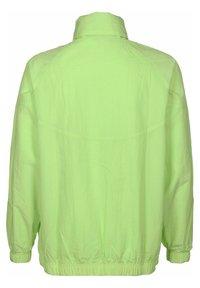 Nike Sportswear - Windbreaker - key lime - 1