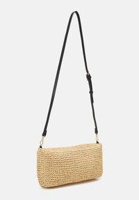PARFOIS - CROSSBODY BAG ALOHAMORA - Across body bag - ecru - 1