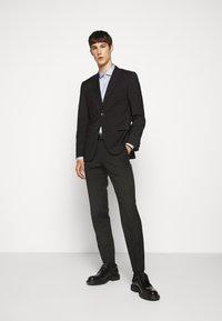 HUGO - ERONDO - Formal shirt - dark grey - 1