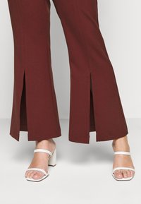 CAPSULE by Simply Be - TROUSERS - Trousers - rust - 3