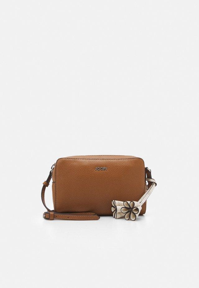 CHIARA CASTA SHOULDERBAG - Across body bag - cognac