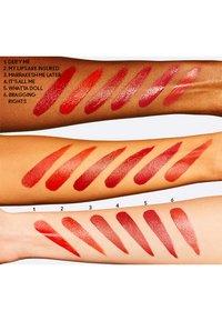 MAC - LOVE ME LIQUID LIPCOLOUR - Liquid lipstick - marrakesh me later - 2