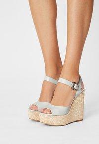 Cosmoparis - JAMEA - Platform sandals - blanc - 7
