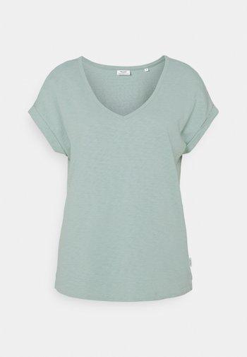 SHORT SLEEVE WIDE BODYSHAPE - Basic T-shirt - light carib