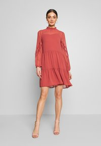 Vero Moda - VMINGEBORG SHORT DRESS - Robe d'été - marsala - 1