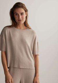 OYSHO - Pyjama top - beige - 0