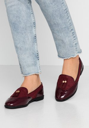 WIDE FIT KASS - Mocasines - burgandy