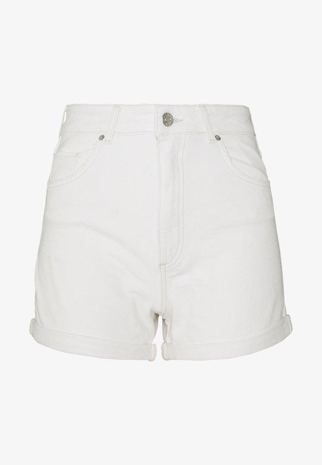 CLARA - Szorty jeansowe - white