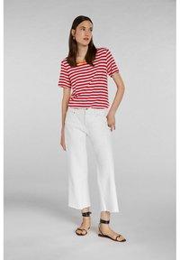 Oui - Print T-shirt - white red - 1