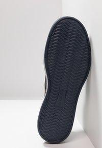 Skechers - MORENO - Zapatillas - navy - 4